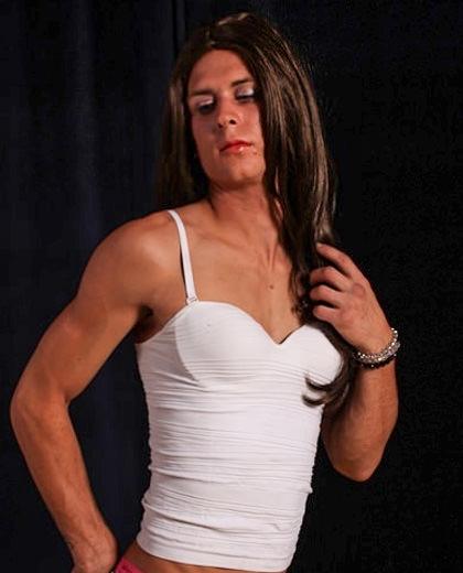 transvestiitti seuraa nainen venäjältä